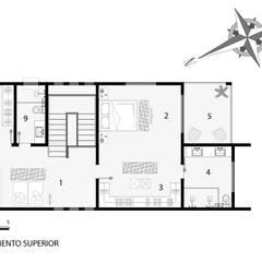 Planta baixa arquitetônica do pavimento superior com ambientação: Casas familiares  por Milward Arquitetura