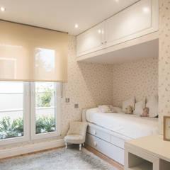 : Dormitorios infantiles de estilo  de CONSOLIDACIONES Y CONTRATAS S.L