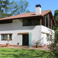 VIVIENDA AGUERA: Casas unifamilares de estilo  de BALDO ARQUITECTURA