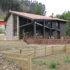 CASA LINARIEGA: Casas unifamilares de estilo  de BALDO ARQUITECTURA