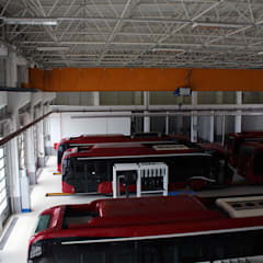 Tolga Archıtects – Baku Bus Station:  tarz Garaj / Hangar,