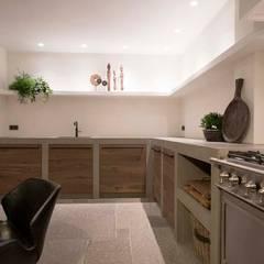 Bohemian Keuken showroom:  Keuken door Molitli Interieurmakers
