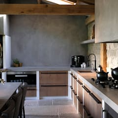 mediterranean Kitchen by Molitli Interieurmakers