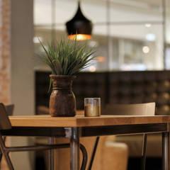 Koffiezaak Coava in Nijkerk:  Trap door Molitli Interieurmakers