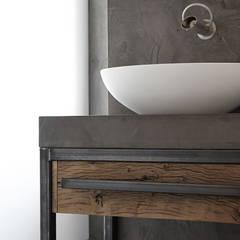 Restyling woning: Woonkamer, badkamer, keuken:  Badkamer door Molitli Interieurmakers