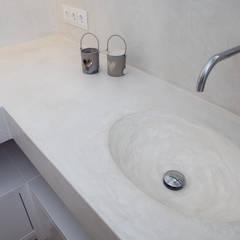 Badkamer:  Badkamer door Molitli Interieurmakers