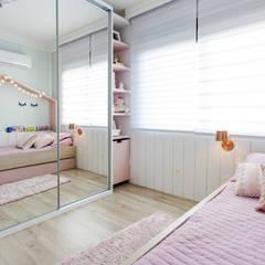 Girls Bedroom by Nathalia Bilibio Arquitetura e Construção