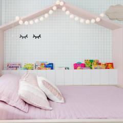 Girls Bedroom by Nathalia Bilibio Arquitetura e Construção,