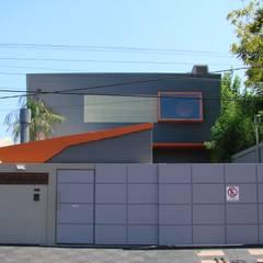 Droguería Monstserratnorte - Fachada 3: Edificios de Oficinas de estilo  por Módulo 3 arquitectura