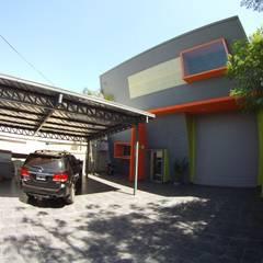 Droguería Monstserratnorte - Vista Exterior 7: Edificios de Oficinas de estilo  por Módulo 3 arquitectura