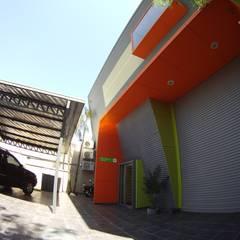 Droguería Monstserratnorte - Vista Exterior 8: Edificios de Oficinas de estilo  por Módulo 3 arquitectura