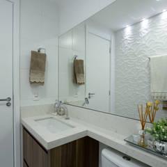 Banho Social - Apartamento Way: Banheiros minimalistas por INOVA Arquitetura