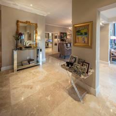 Corridor & hallway by Spegash Interiors
