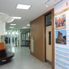 東大附小校史館:  學校 by 台中室內建築師|利程室內外裝飾 LICHENG