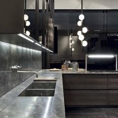 Bancada de cozinha: Armários e bancadas de cozinha  por Eurooo Brasil