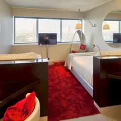 Quarto individual- Hotel: Hotéis  por FAGOTEL