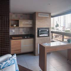 Bernal Projetos - Arquitetos em Salvador의  베란다, 에클레틱 (Eclectic)
