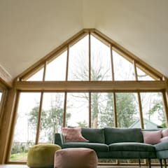 Sunroom Extension:  Living room by dwell design