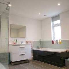 Bathroom:  Bathroom by dwell design