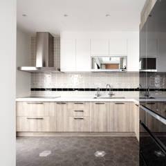 輕 湖口 別墅宅:  廚房 by WID建築室內設計事務所 Architecture & Interior Design