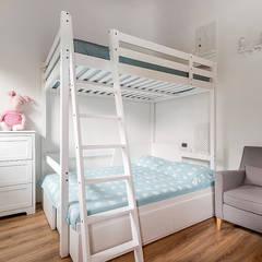 Ristrutturazione appartamento di 200 mq a Udine, S. Paolo: Camera da letto in stile  di Facile Ristrutturare