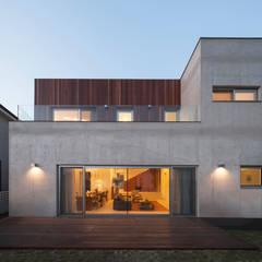Houses by 백에이어소시에이츠