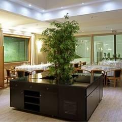 Restaurante Fundação: Espaços de restauração  por J. F. LOUREIRO DOS SANTOS, UNIPESSOAL, LDA