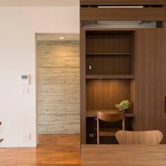 2F 書斎: 株式会社クレールアーキラボが手掛けた書斎です。