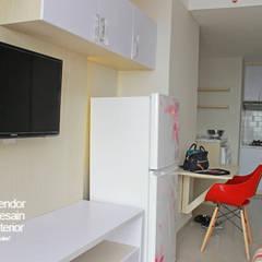 Interior Studio Apartemen Oasis Cikarang: Interior landscaping oleh PT Solusi Eka Optima,