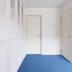 階段から集う家: ELD INTERIOR PRODUCTSが手掛けた子供部屋です。