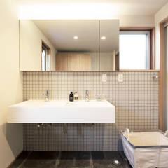 吹き抜けのある家: ELD INTERIOR PRODUCTSが手掛けた浴室です。