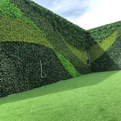 Guatemala Client's Artificial vertical garden project with SUNWING artificial hedges:  Commercial Spaces by Sunwing Industries Ltd