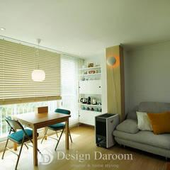 암사동 한강포스파크 25py 거실: Design Daroom 디자인다룸의  거실