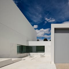 Garage/shed by FRAN SILVESTRE ARQUITECTOS