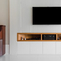 Apartamento Ocean Front por Elaine Ramos: Eletrônicos  por Elaine Ramos | Arquitetos Associados