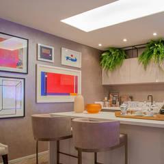 Kitchen units by Elaine Ramos | Arquitetos Associados