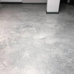 Floors by Bautech Sp. Z O.O., Minimalist Concrete