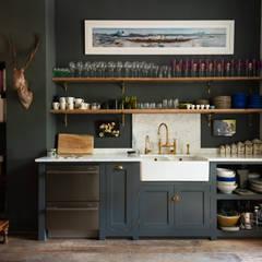 The Islington Townhouse Kitchen by deVOL:  Kitchen by deVOL Kitchens