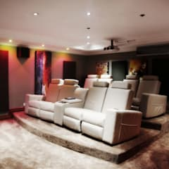 Bluevalley Estate:  Media room by Vision Tribe
