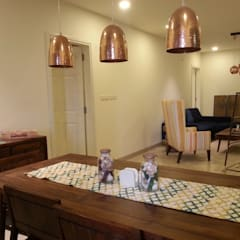 MODEL FLAT-PBEL CITY, CHENNAI: industrial Dining room by Crafted Spaces