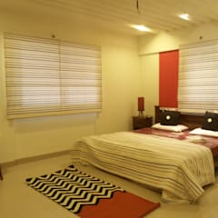 MODEL FLAT-PBEL CITY, CHENNAI: industrial Bedroom by Crafted Spaces