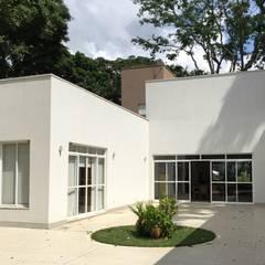 Casa Aldeia do Alto: Casas  por André Freitas Arquitetura