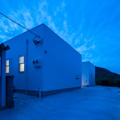 DOUBLE HOUSE: 株式会社CAPDが手掛けた二世帯住宅です。