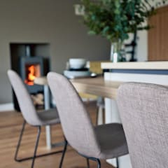 Worts Causeway Show Home:  Dining room by Sara Slade Interiors