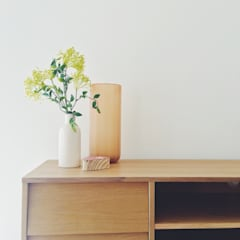 Dry Drayton Show-home:  Living room by Sara Slade Interiors