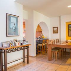 Comedor: Comedores de estilo minimalista por Bojorquez Arquitectos SA de CV