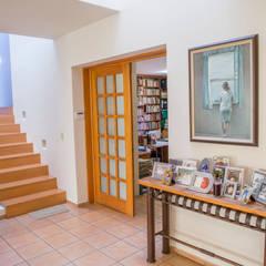 Casa C Al Cuadrado: Estudios y oficinas de estilo  por Bojorquez Arquitectos SA de CV