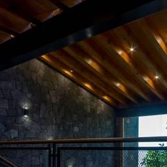 Techos de estilo  por Taller de Arquitectura Bioclimática +3d, Rústico Madera Acabado en madera