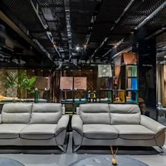 Estudios y oficinas de estilo rústico por J9 Associates