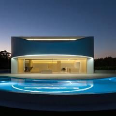 Casa Balint: Casas de estilo  de FRAN SILVESTRE ARQUITECTOS